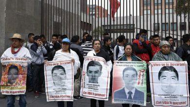 Continúan exigiendo justicia por la masacre de Ayotzinapa