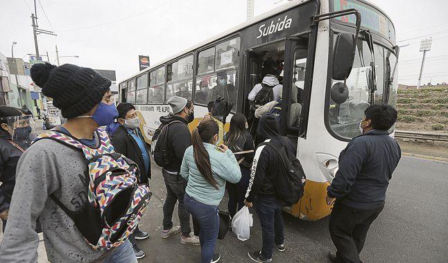 El gobierno peruana relajó medidas cuando se incrementaban los contagios