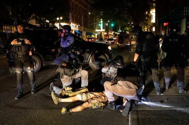 Asesinan a manifestante contra el racismo en Portland