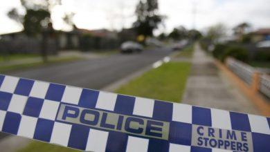 Photo of Australia: Policías sacan a la fuerza a una mujer de su auto tras pedirle que se detuviera (++Video)