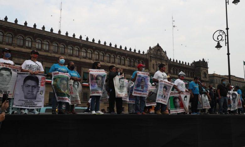 Sigue el reclamo de justicia por víctimas de Ayotzinapa