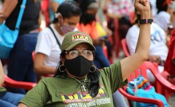 Photo of Cerca del 60% de las mujeres participan en Comando de Campaña Darío Vivas en diferentes ejes territoriales de Caracas
