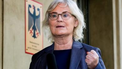 La ministra de Justicia de Alemania, Christine Lambrecht, redactó exclusivamente en femenino un proyecto de ley que evitaría la quiebra de muchas empresas alemanas afectadas por la pandemia