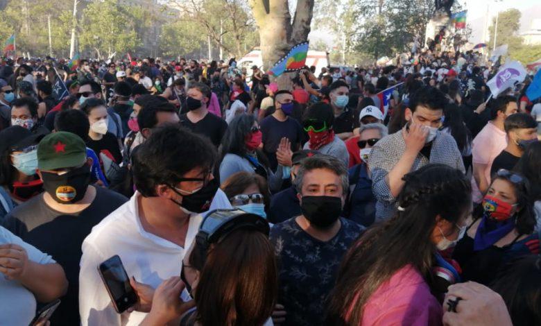 El alcalde de izquierda Jadue acompañó movilizaciones populares