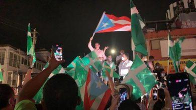 Juan Dalmau y sus seguidores festejando histórica votación