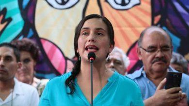 Photo of Promotores de la vacancia presidencial recurrieron «a leguleyadas para hacerse del poder», dice Verónika Mendoza