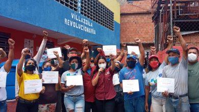 Photo of Brigadas Agroproductivas recibieron Certificados de Formación por el Minppau